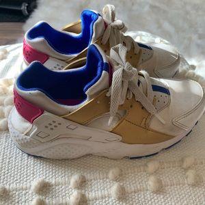 Nike Hurache Girls Sneakers